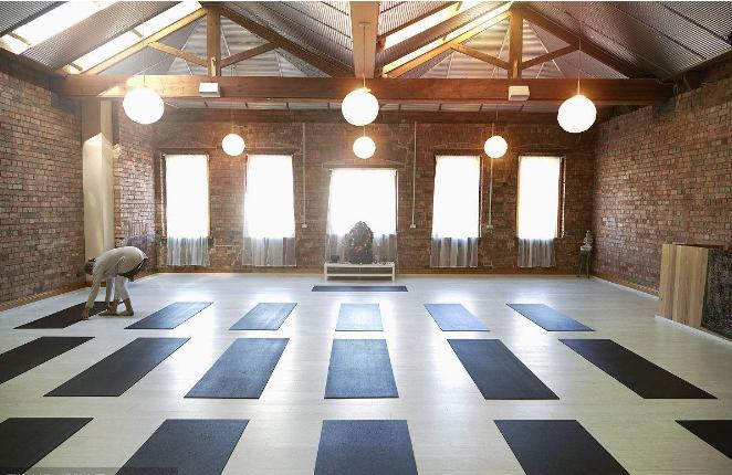 刚开业的瑜伽馆怎么做宣传和营销广告